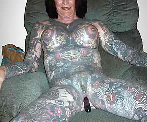 Category: tattoo and piercing