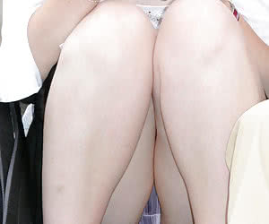 Upskirt Downblouse